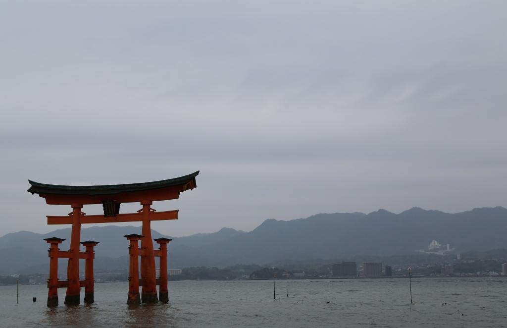 02 Itsukushima Shinto Shrine