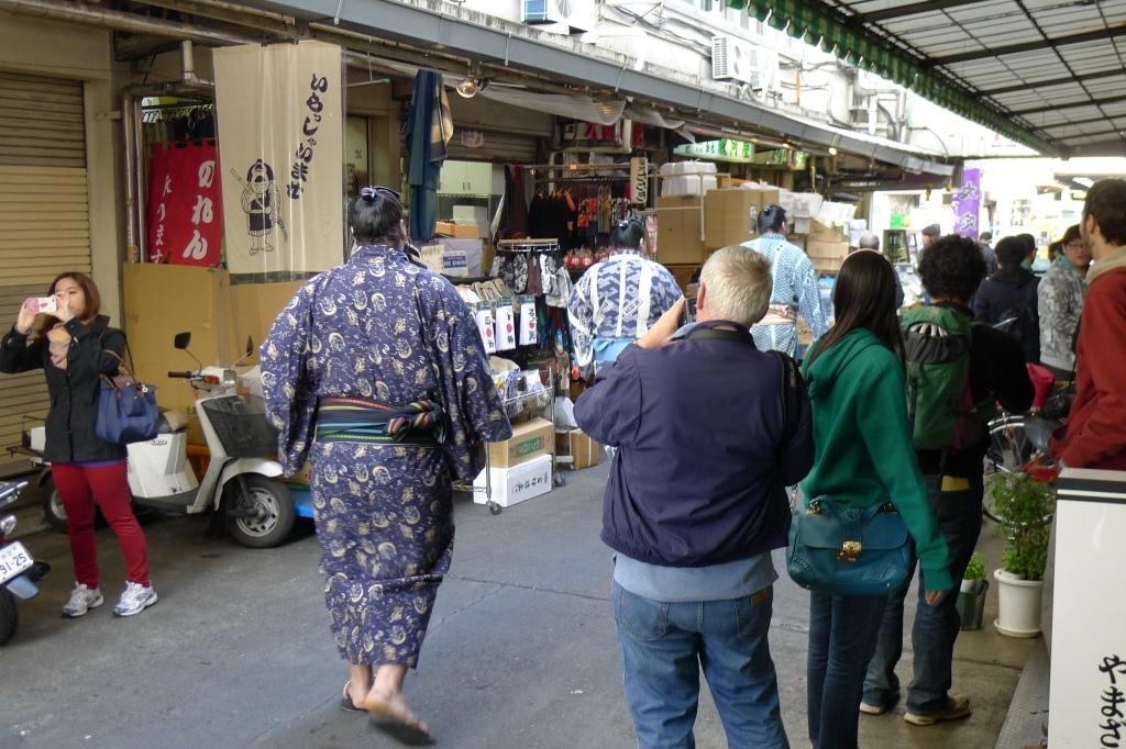 03 Sushi Dai - Sumo Wrestlers