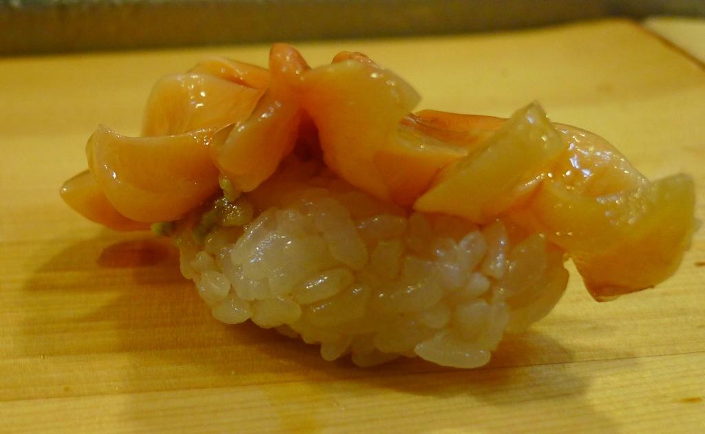 03 Sushi Daiwa - Aoyagi Round Clam