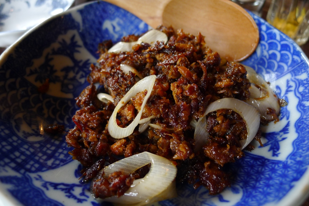 06 Butagumi - Roasted minced pork meat with garlic, pepper and soy sauce