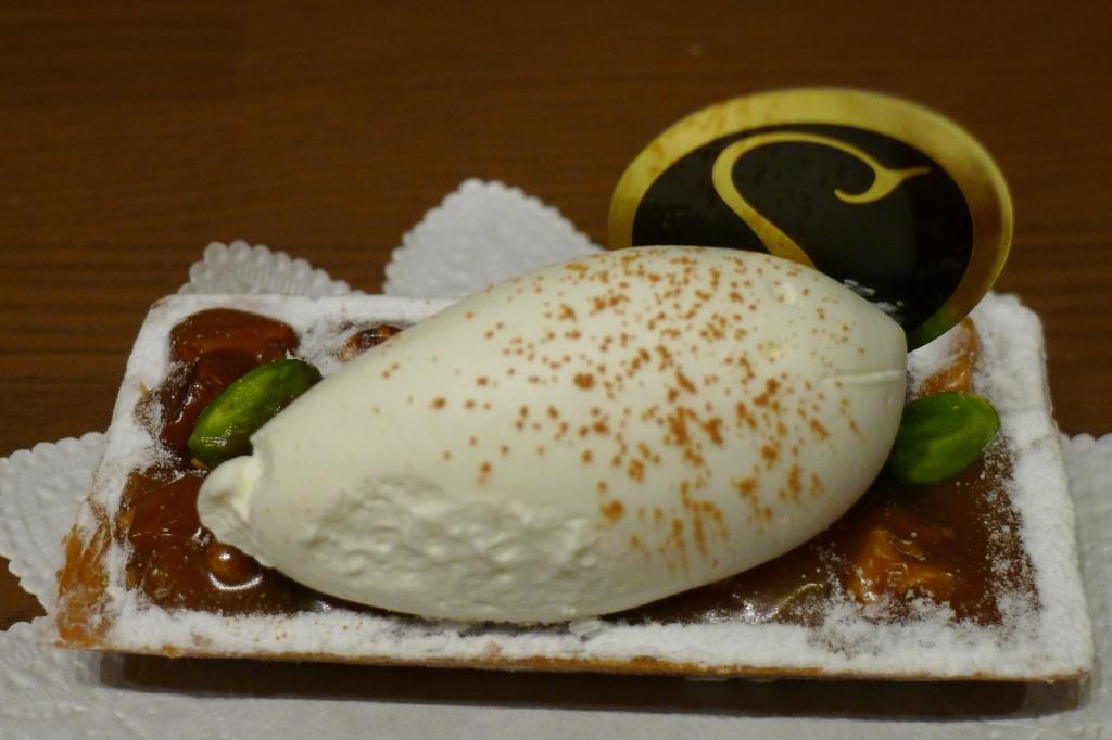 09 Hidemi Sugino - Caramel Tart