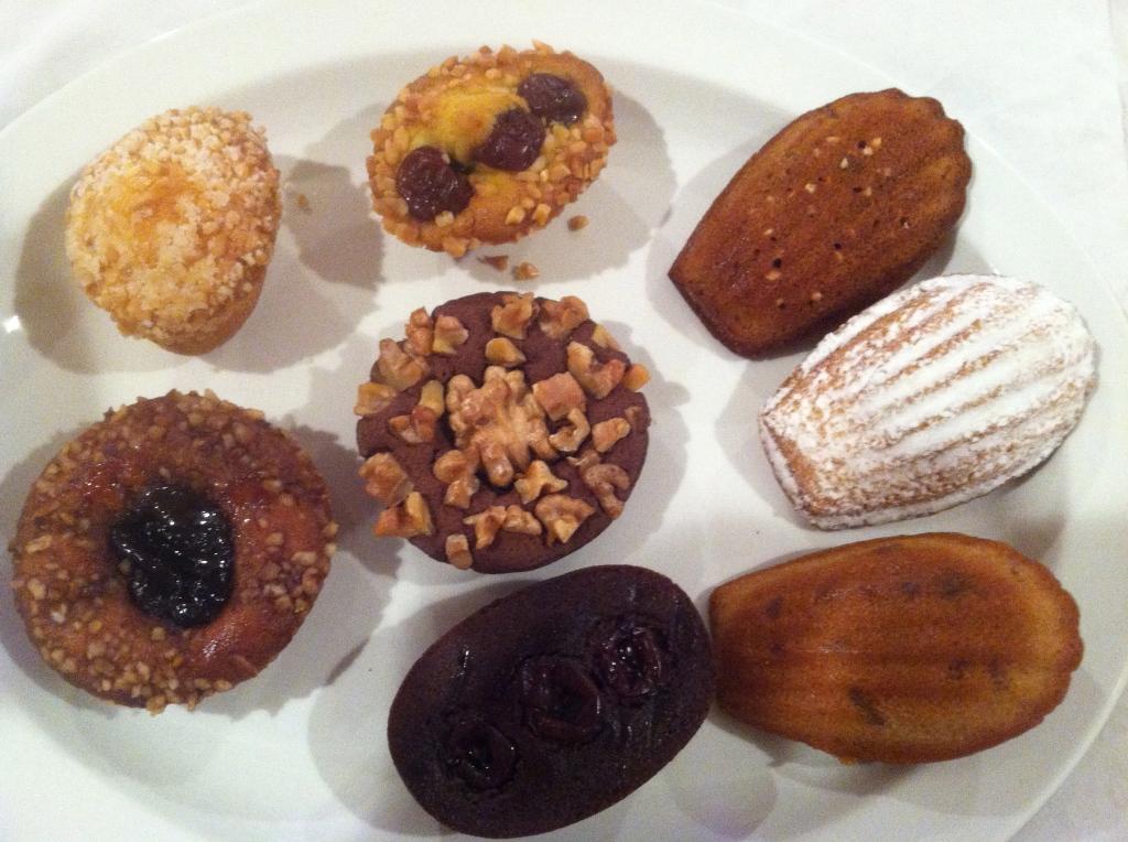 20 Hidemi Sugino - Assorted pastries